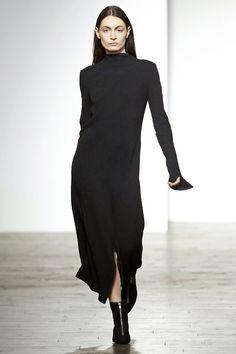 Matériel by Tiko Paksashvili Tbilisi Fall 2016 Fashion Show Fall Fashion 2016, Fashion Show, Autumn Fashion, Seoul, Vogue, Minimalist Dresses, Calvin Klein Collection, Fall 2016, Style Me