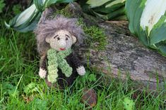 Skogsmuckla / Troll Gratis - Free Steen i stugan Crochet Toys, Troll, Free Pattern, Diy And Crafts, Teddy Bear, Christmas Ornaments, Holiday Decor, Animals, Cottage