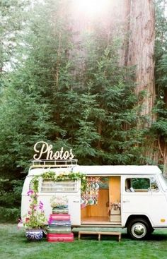 vintage bohemian wedding photobooths