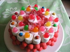 Candy cake with marshmallows, fraises tagada  etc... sugar high guarantee!