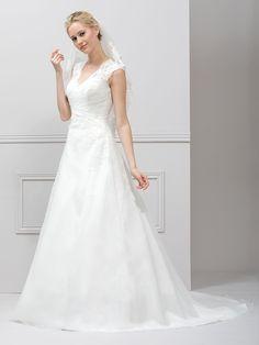Lace Wedding Dress, Stunning Wedding Dresses, Wedding Dress Styles, Bridal Dresses, One Shoulder Wedding Dress, Grooms Room, Mon Cheri, Rock, Absolutely Gorgeous