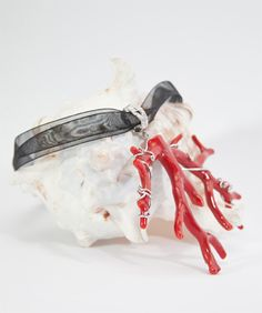 Pendant with coral branch