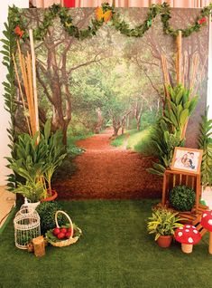 Woodland Little Red Riding Hood Birthday // Hostess with the Mostess® : woodland photo booth backdrop Fairy Birthday Party, Garden Birthday, Birthday Backdrop, Birthday Party Centerpieces, Woodland Theme, Woodland Party, Red Riding Hood Party, Enchanted Forest Party, Enchanted Garden