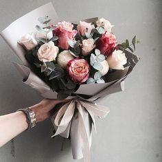 46 Trendy ideas for flowers gift bouquet floral arrangements florists My Flower, Beautiful Flowers, Wedding Bouquets, Wedding Flowers, Floral Bouquets, Bouquet Of Flowers, Boquette Flowers, Flowers Bucket, Send Flowers