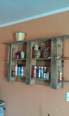 Pallet craft shelf