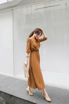 Korean Fashion Dress, Korean Street Fashion, Ulzzang Fashion, Muslim Fashion, Korean Outfits, Modest Fashion, Fashion Dresses, Long Skirt Fashion, Simple Outfits