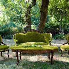 green grass coffee table and room furniture for backyard decorating