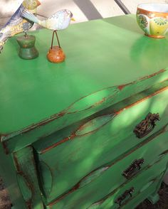 Chest of Drawers painted with Chalk Paint® by Annie Sloan in Antibes Green and sanded back for a rustic finish. Rustic Country Furniture, Distressed Furniture, Recycled Furniture, Shabby Chic Furniture, Furniture Projects, Furniture Makeover, Chalk Paint Wax, Using Chalk Paint, Chalk Paint Projects