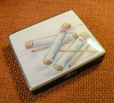 Cigarette Case Porcelain Lid Black Case by RosePetalResources, $28.00