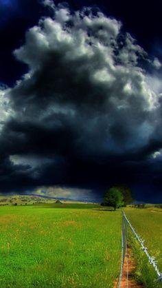 Storm Cloud ...Grand Mercure Pinnacle, Alpine Areas, Victoria, Australia
