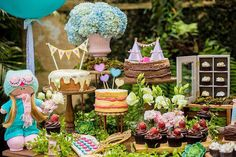 You need to see this party. Combining boho elements with a stunning woodland theme, this Boho Woodland Camping Party at Kara's Party Ideas is a must see! Woodlands Camping, Owl Parties, Bird Party, Camping Parties, Woodland Theme, Ideas Para Fiestas, Dessert Table, Party Planning, Party Time