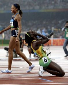 Veronica Campbell Brown (kneeling) - Athletics - Beijing Olympics 2008 ~ Womens 200m - Athens 2004 ~ Womens 200m & 4x100m Relay