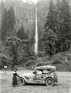 Multnomah Falls,  Oregon. circa 1918.