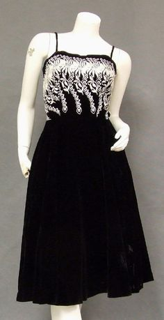 Plush Black Velvet 1960 s Cocktail Dress w  Ivory Embroidery Vintage Divat 72fd82d515
