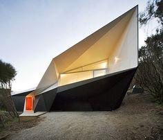 Klein Bottle House by McBride Charles Ryan.