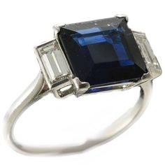 Art Deco Sapphire and Diamond Platinum circa 1920 Ring