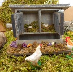Miniature chicken coop/chicken house perfect for your mini farm or fairy garden. It measures approx. 2 x x 3 Miniature Crafts, Miniature Fairy Gardens, Miniature Food, Farm Gardens, Garden Farm, Vitrine Miniature, Mini Farm, Fairy Houses, Coops