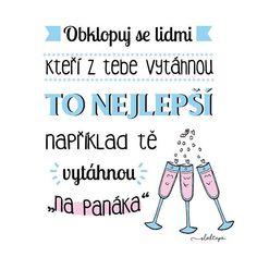 Jsou lidé, díky kterým je svět krásnější...  Krásný den všem ☕ #sloktepo #motivacni #hrnky #miluji #kafe #mujzivot #mujsen #mojevolba #citaty #darek #stesti #laska #rodina #pozitivnimysleni #dobranalada #dokonalost #domov #czech #czechboy #czechgirl #prague