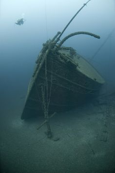 Great Lakes Shipwreck Photos from NOAA
