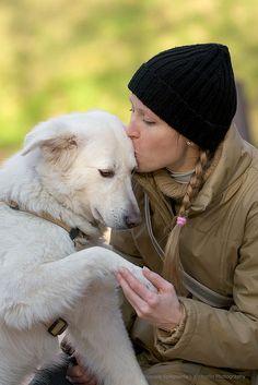 .dog love photos