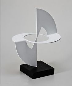 Geometric Shapes Art, Geometric Origami, Geometric Sculpture, Abstract Sculpture, Cardboard Sculpture, Metal Art Sculpture, Pliage Tole, Paper Structure, Origami Architecture