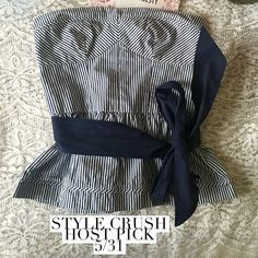 Abercrombie & Fitch Pinstripe strapless top Abercrombie & Fitch navy & white pinstripe strapless top with matching/removable fabric belt/sash. 100% Cotton. Abercrombie & Fitch Tops Tank Tops