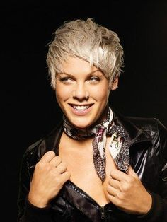 Singer Pink Hairstyles | 2010 November « GIVE ME ADN.                                                                                                                                                                                 Mais