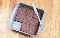 Black Bean Brownies: Calories and Nutrition Facts - Chocolate Covered Katie--- these are delicious! Use a larger pan to allow them to bake unless you like warm gooey brownies Healthy Desserts, Dessert Recipes, Healthy Recipes, Dessert Blog, Sweet Recipes, Zucchini Brownies, Pumpkin Brownies, Healthy Brownies, Gourmet