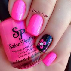 Hot Pink and Black Floral Manicure.