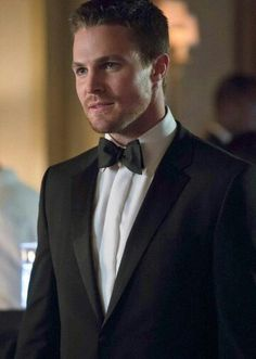 "Arrow -- ""Crucible"" -- Image -- Pictured: Stephen Amell as Oliver Queen -- Photo: Jack Rowand/The CW -- © 2013 The CW Network, LLC. All Rights Reserved Arrow Tv Series, Cw Series, Oliver Queen Arrow, Tommy Merlyn, David Ramsey, Arrow Cast, Stephen Amell Arrow, Al Ghul, Oliver And Felicity"
