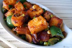 Chilli Paneer is a wonderful appetizer from the Indo Chinese cuisine. Soft Paneer cooked in the best of Indo Chinese sauces and flavors. Paneer Recipes, Veg Recipes, Indian Food Recipes, Asian Recipes, Cooking Recipes, Burger Recipes, Chinese Appetizers, Indian Appetizers, Indian Snacks