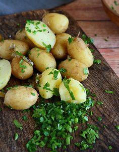 Nye kartofler med variationer