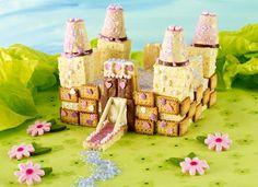 Märchen-Schloss Rezept: Wunderschöner Kuchen in Schloss-Form mit rosanem Dekor für den Kindergeburtstag - Eins von 7.000 leckeren, gelingsicheren Rezepten von Dr. Oetker!