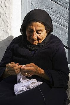Greek woman in Crete crocheting Greece Photography, Fantasy Photography, Old Greek, Old Faces, Places In Europe, How To Make Light, People Of The World, Greek Islands, Old Women