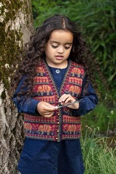 Elephants waistcoat hand knitwear design from the book The Children's Collection by Alice Starmore Waistcoat Designs, Cotton Thread, Wool Yarn, Elephants, Color Change, Underarm, Swatch, Knitwear, My Design