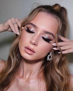 30 Wedding Makeup Looks To Be Exceptional ❤ wedding makeup looks shimmer natural mpobedinskaya #weddingforward #wedding #bride #weddingmakeup #weddingmakeuplooks