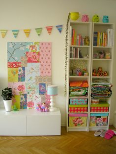 I am in love with the patchwork panel!! I was just thinking that I wanted to create a patchwork wallpaper wall on my fireplace wall in my new craft room BUT I also want to keep it white incase I attempt some styling for photoshoots.. I just need a big mdf board and I can make it look however I want!