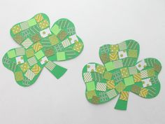 KIDS CRAFT: MOSAIC SHAMROCKS WITH FREE PRINTABLE