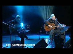 ԱՍՈՒՄ ԵՆ - Arthur Meschian (Nov. '09) So They Say -- ԱՍՈՒՄ ԵՆ -- Говорят Lyrics: Mushex Ishxan -- Մուշեղ Իշխան -- Мушег Ишхан Music: Arthur Meschian -- Արթուր Մեսչյան -- Артур Месчян  Ասում են կարճ է կյանքը, շուտ կը մարի սրտի զարկը, բայց արեւի տակ ծիրանի, երիտասարդ ու ծերունի, ահա կանգնած շարան շարան, կը ձանձրանան:  Ասում են քաղցր է կյանքը, և անսահման երկրի փառքը, բայց գրկի մեջ բուրաստանի, ծաղիկների դեմ գեղանի, մարդիկ ահա շարան շարան, կը ձանձրանան:  Ասում են խորն է կյանքը, լույս է համայն…