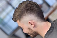 The burst fade has change into a preferred males's fade haircut in barbershops throughout. The burst taper fade is commonly paired with a mohawk coiffure, and Mens Hairstyles With Beard, Hair And Beard Styles, Haircuts For Men, Short Hair Styles, Crazy Hairstyles, Men's Haircuts, Mowhawk Hairstyles, Military Haircuts, Faux Hawk Hairstyles