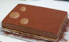 Gâteau Royal Trianon avec Thermomix, un délicieux gâteau au chocolat et une base craquante à base de biscuits et un croustillant praliné.