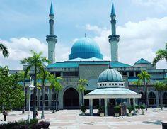 semalam ada program abg by fareast_junior Saudi Arabia, Mosque, Taj Mahal, Around The Worlds, Building, Travel, Instagram, Viajes, Buildings