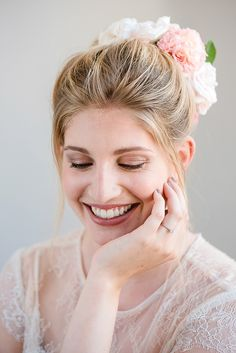 #brautfrisur #hair #hochzeitsfrisur - hochgesteckte Haare als Brautfrisur - Märchenhafte Dornröschen Schlosshochzeit im Vintage Stil | Hochzeitsblog - The Little Wedding Corner