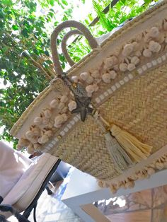Natural, handmade french baskets and straw bags Diy Straw, Straw Bag, Ibiza, Spring Bags, Flower Bag, Straw Handbags, Art Bag, Boho Bags, Basket Bag