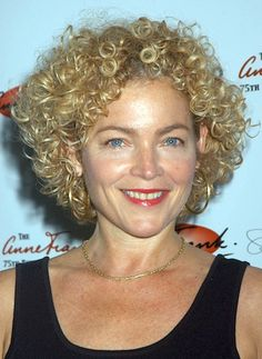 Got curly hair and looking for a stylish bob haircut? Here are the latest Bob Haircut Pics for Curly Hair that we have collected for you! Hair Styles 2014, Hot Hair Styles, Curly Hair Styles, Short Curly Hairstyles For Women, Curly Bob Hairstyles, Hairstyle Short, Hairstyle Ideas, Curly Hair Cuts, Short Hair Cuts