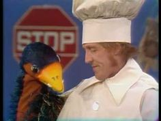 Rod Hull and Emu debut on The Hudson Brothers Show 1974 Rod Hull, Listen To Reading, Back In My Day, Remember The Time, Stand Up Comedy, Old Tv Shows, Emu, Getting Old, Childhood Memories