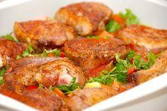 Virkelig lækker opskrift på kylling i fad med ris og dejlige grøntsager. Hele retten laves i ildfast fad, der stilles i ovnen i en time. Kyllimg i fad med ris og grøntsager er god mad til både børn…