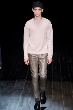 Gucci - Fall 2014 Menswear - Look 8 of 41?url=http://www.style.com/slideshows/fashion-shows/fall-2014-menswear/gucci/collection/8