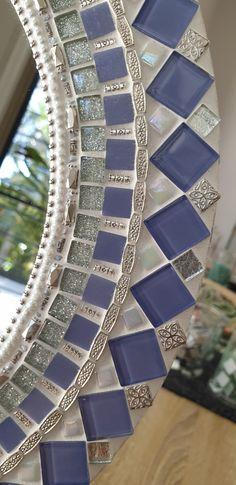 Mosaic Tile Art, Mirror Mosaic, Mosaic Diy, Mosaic Crafts, Mosaic Projects, Diy Mirror, Mosaic Glass, Glass Tiles, Stained Glass Birds