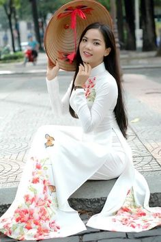 Ao Dai Vietnam, Sexy Curves, Bell Sleeve Top, Photography, Beauty, Tops, Dresses, Honey, Smile